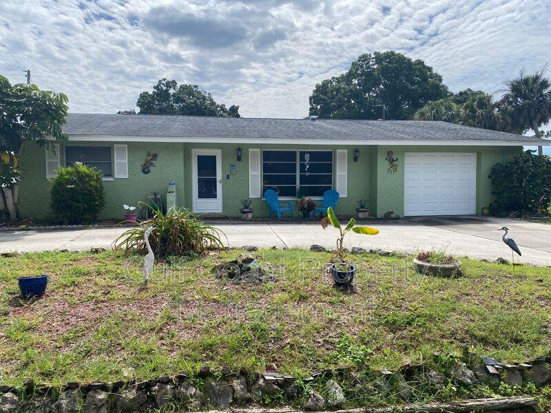 571 W Seminole Drive Venice FL 34293 - Photo 1