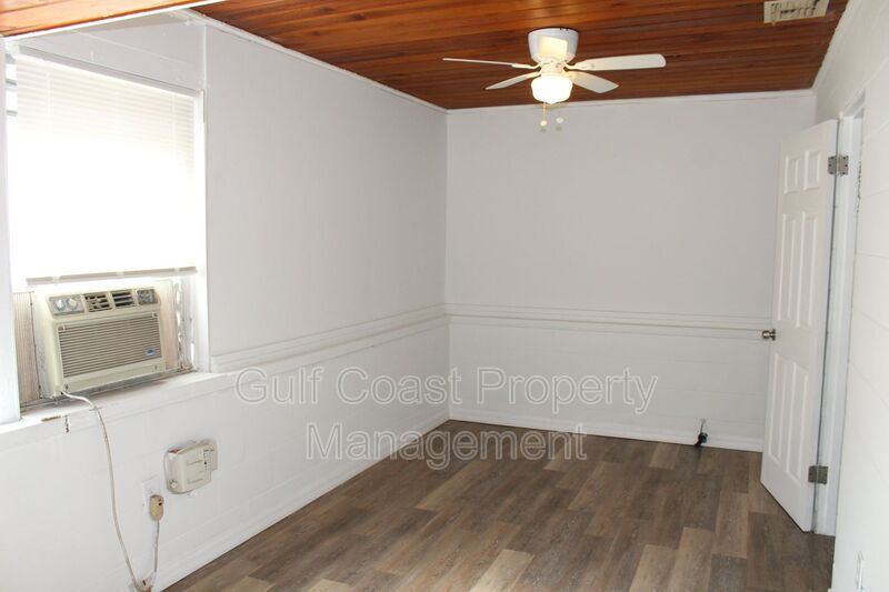 1503 13th Street West Bradenton FL 34205 - Photo 8