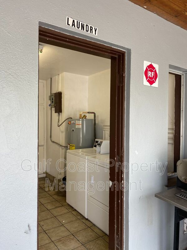 600 Corey Avenue Unit 127  FL 33706 - Photo 9