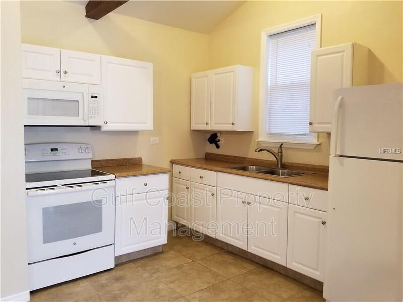 1818 6th Avenue W.- Unit D Bradenton FL 34205 - Photo 4