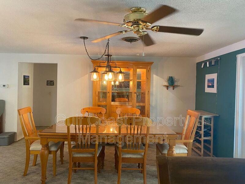 571 W Seminole Drive Venice FL 34293 - Photo 9