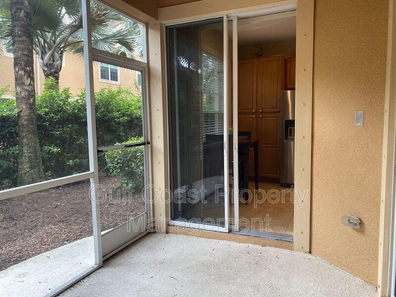 8241 Villa Grande Court Sarasota FL 34243 - Photo 19