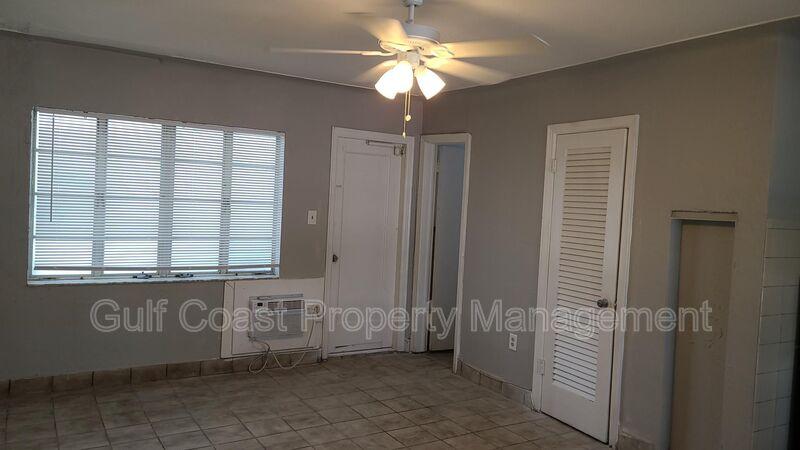 600 Corey Avenue Unit 127  FL 33706 - Photo 2