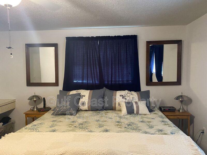 571 W Seminole Drive Venice FL 34293 - Photo 14