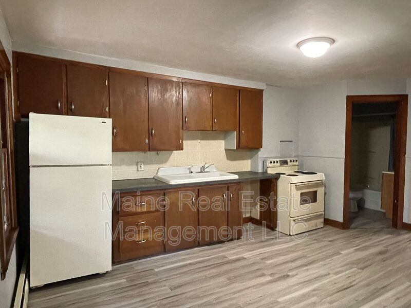 12 Boothby Street Apt. 3