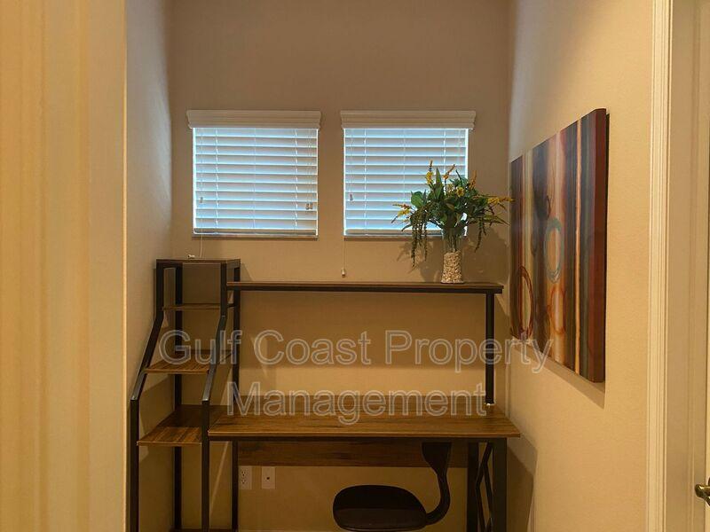 8241 Villa Grande Court Sarasota FL 34243 - Photo 9