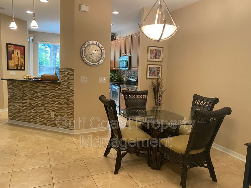 8241 Villa Grande Court Sarasota FL 34243 - Photo 5