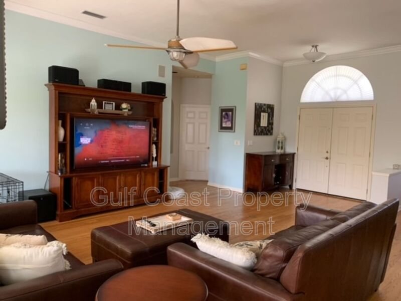 5106 Far Oak Circle Sarasota FL 34238 - Photo 3