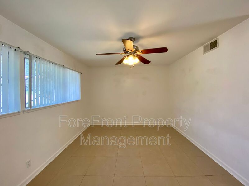 3419 Shady Springs San Antonio TX 78230-4932 - Photo 4